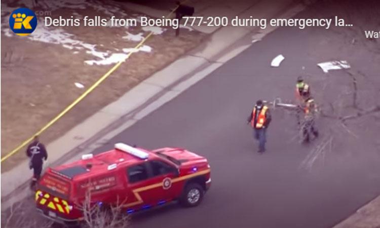ΗΠΑ: Τρόμος εν πτήσει για 241 επιβάτες – Στις φλόγες ο δεξιός κινητήρας ενός Boeing