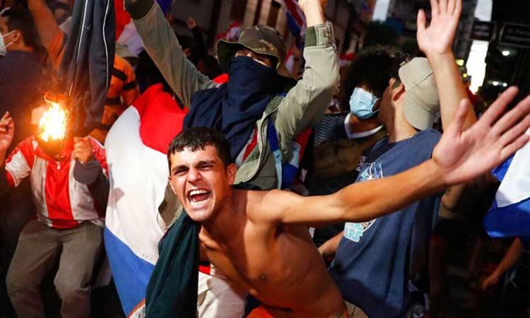 Παραγουάη: Συνεχίζονται τα επεισόδια μεταξύ διαδηλωτών και αστυνομικών αρχών