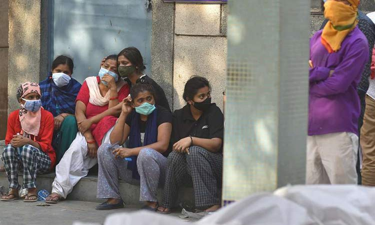 Ινδία – Κορωνοϊός: Νέο παγκόσμιο ρεκόρ κρουσμάτων – Άλμα στους θανάτους