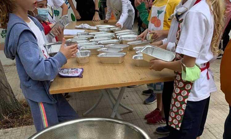 100 μερίδες φαγητού ετοίμασαν οι μικροί μάγειρες από το Σώμα Ελληνικού Οδηγισμού Φιλοθέης