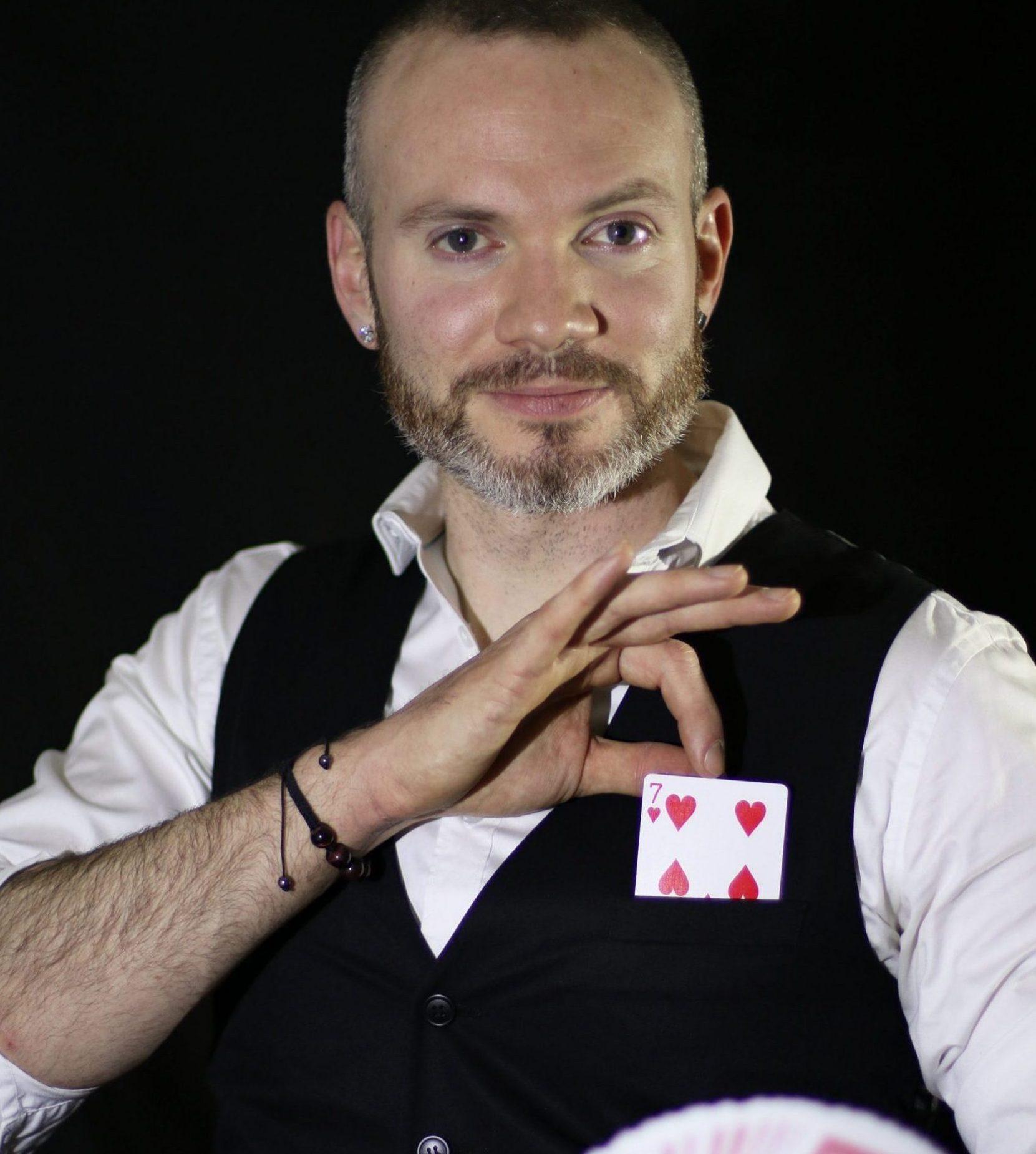 magicien-particulier-enzo-stark