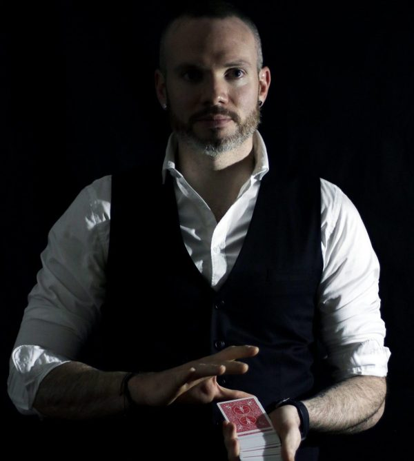 enzo-stark-magicien-illuisionniste-geneve