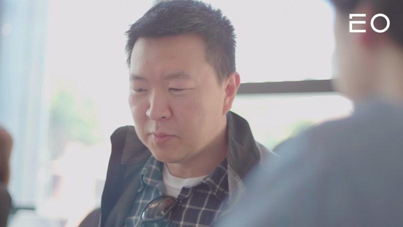 회의를 하고 있는 스냅 김진영 사이언티스트