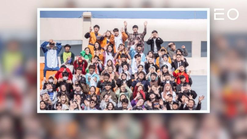 플레이리스트의 직원들이 모두 모인 단체 사진
