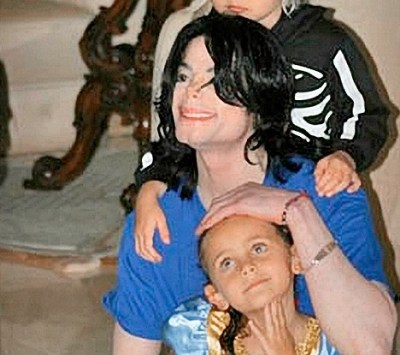 Michael with Prince I and Paris ... family love