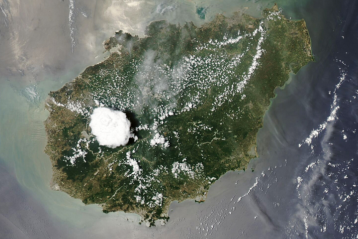 Cloud Building Over Hainan