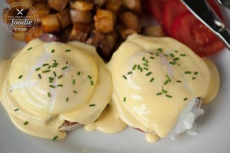 classic-eggs-benedict-top