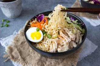 healthy-chicken-ramen-bowl-fg