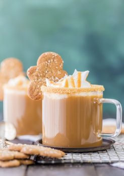 slow-cooker-gingerbread-latte-4-of-10