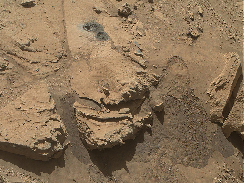 Curiosity-rover-mineral-samples-liquid-groundwater-oxygen-atmosphere-Mars