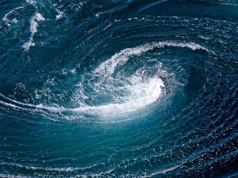 Researchers study what happens to ocean eddies when they encounter the Izu-Ogasawara Ridge in the Pacific Ocean.
