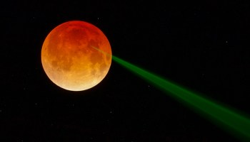 Illustration of a laser beam reflected from the Moon