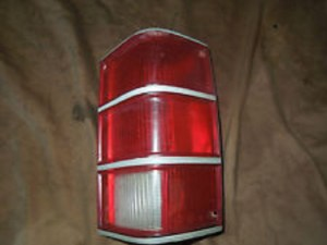 1989 Jeep anche tail light