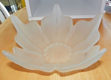 https://i2.wp.com/ep.yimg.com/ay/yhst-42280649089190/viking-frosted-glass-five-petal-centerpiece-bowl-10-inches-3.jpg?resize=386%2C277