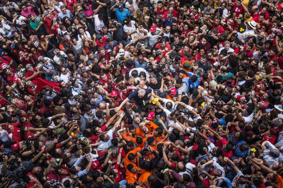 1554405053 400610 1554405976 album normal - SÃO PAULO E JOÃO PESSOA NO CIRCUITO: fotos de Lula são leiloadas e arrecadação passou de R$ 623 mil