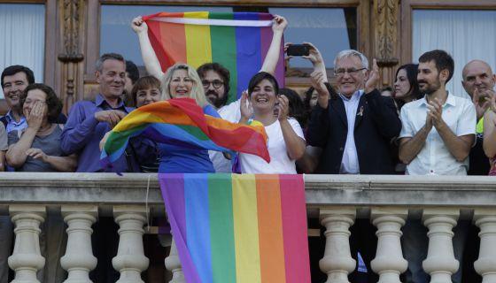 Image result for Ayuntamiento dia del orgullo gay