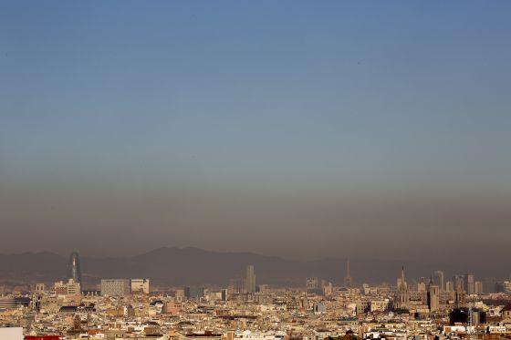 Resultado de imagen de imagenes contaminación barcelona