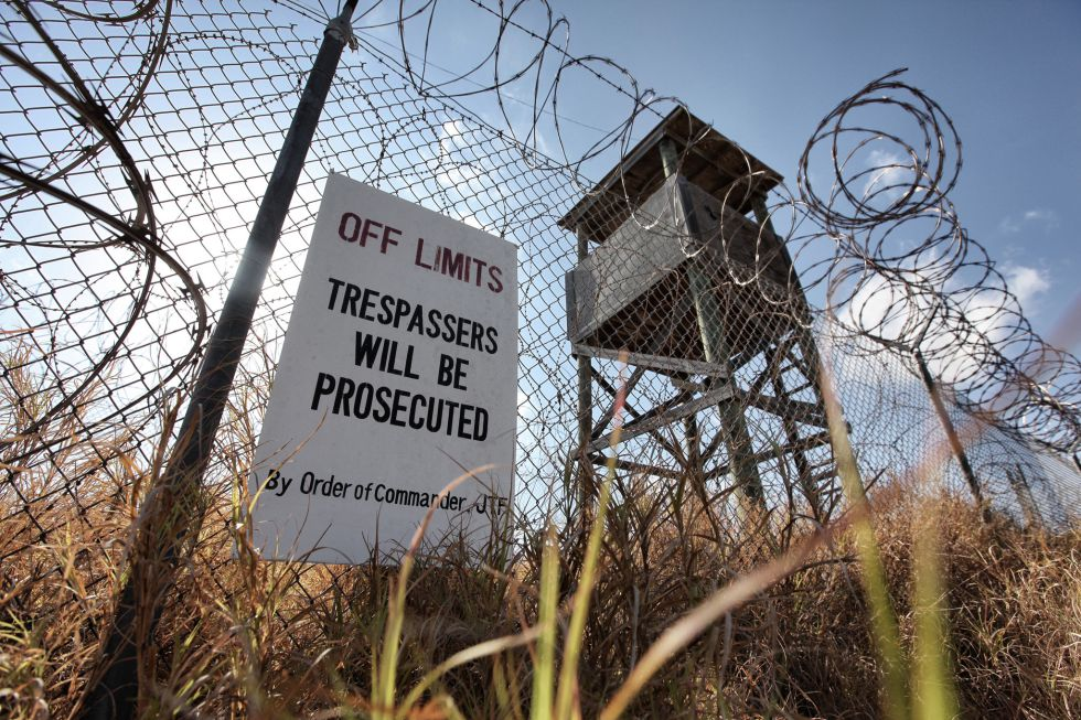 El Campo X-Ray acogió a los primeros presos que llegaron a Guantánamo en enero de 2002. Solo funcionó cuatro meses. Una orden judicial prohíbe su desmantelamiento. Luce oxidado y entre malas hierbas.