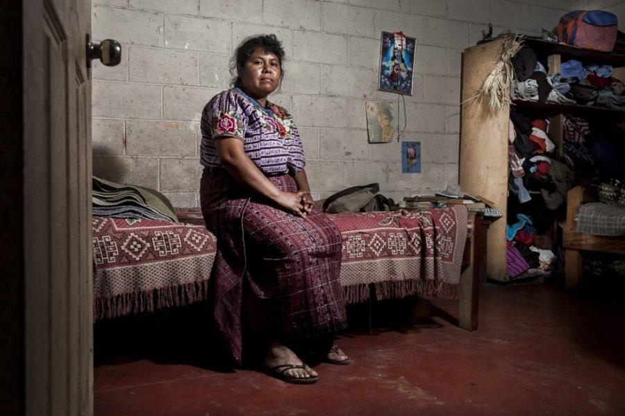 Mariela Mujún, de 40 años, tiene cinco hijos y lleva más de 20 años casada con su esposo. Mariela ha sido víctima de violencia de género y agresiones por parte de su esposo durante varios años.