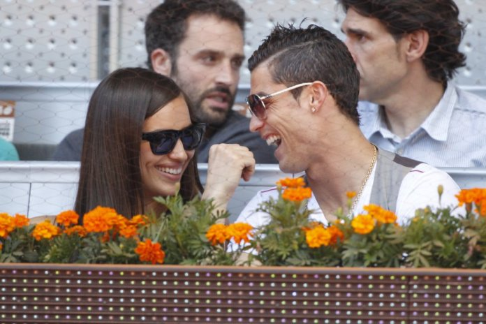 Entre 2010 y 2015, Cristiano Ronaldo e Irina Shayk se convirtieron en una de las parejas más famosas del fútbol. Fueron muy pocas las veces que se dejaron ver juntos, tanto en público como en sus respectivas cuentas en las redes sociales. Hoy la modelo rusa comparte su vida con el actor Bradley Cooper, con quien ha tenido una hija.