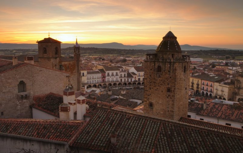 Located 45 kilometers from Cáceres, Trujillo's history, location, natural surroundings and gastronomy have made it a key tourist attraction in the Extremadura region. The town has status as a site of cultural interest. More information: trujillo.es