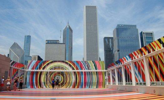 Chicago es una de las ciudades más grandes de Estados Unidos y tiene fama entre los turistas por su arquitectura y sus rascacielos. Situada junto al lago Michigan, las zonas más fotografiadas de esta urbe son el Instituto de Arte (en la imagen), el Grant Park (situado muy cerca), el rascacielos John Hancock Center y la torre Willis.