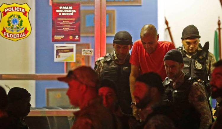 Adélio Bispo deixa prisão em Juiz de Fora.