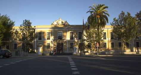 Acuartelamiento de la Borbolla, donde se encuentra el Archivo Militar Sur. / JULIÁN ROJAS