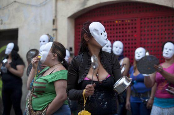 Una de las protestas de prostitutas en el Raval, Barcelona