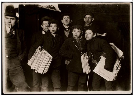 'Midnight at the Brooklyn Bridge' (1906) / LEWIS HINE