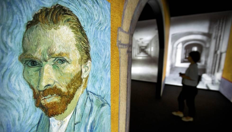 'Autorretrato', en la exposición dedicada a la obra de Van Gogh que se puede ver en Pekín.
