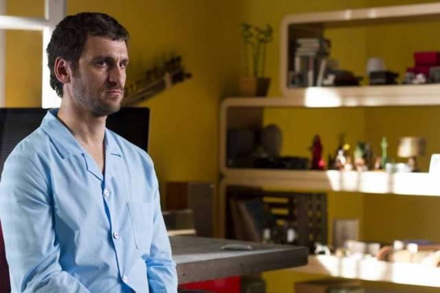 Raúl Arévalo, en la película 'Memorias de un hombre en pijama'.