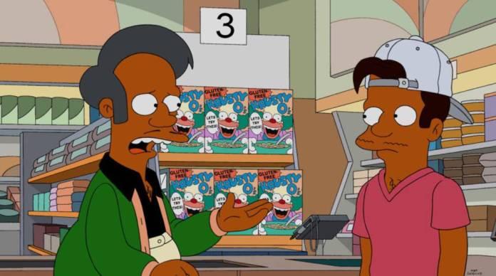 Apu (à esquerda), personagem de 'Os Simpsons'