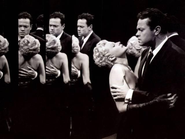 Orson Welles y Hayworth, en 'La dama de Shanghai'.