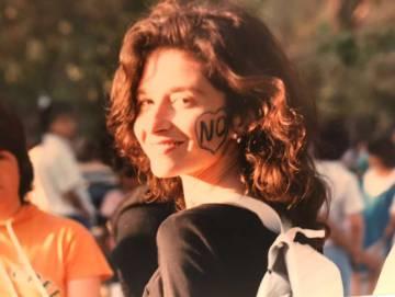 Carla Guelfenbein durante la campaña del 'no' en 1988.