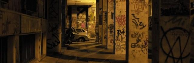 Las convulsas noches de Exarchia, el barrio griego donde conviven gentrificación y cócteles molotov