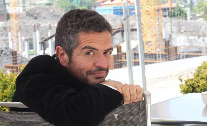 El escritor Leopoldo Brizuela, en Bilbao, el 25 de mayo de 2012.
