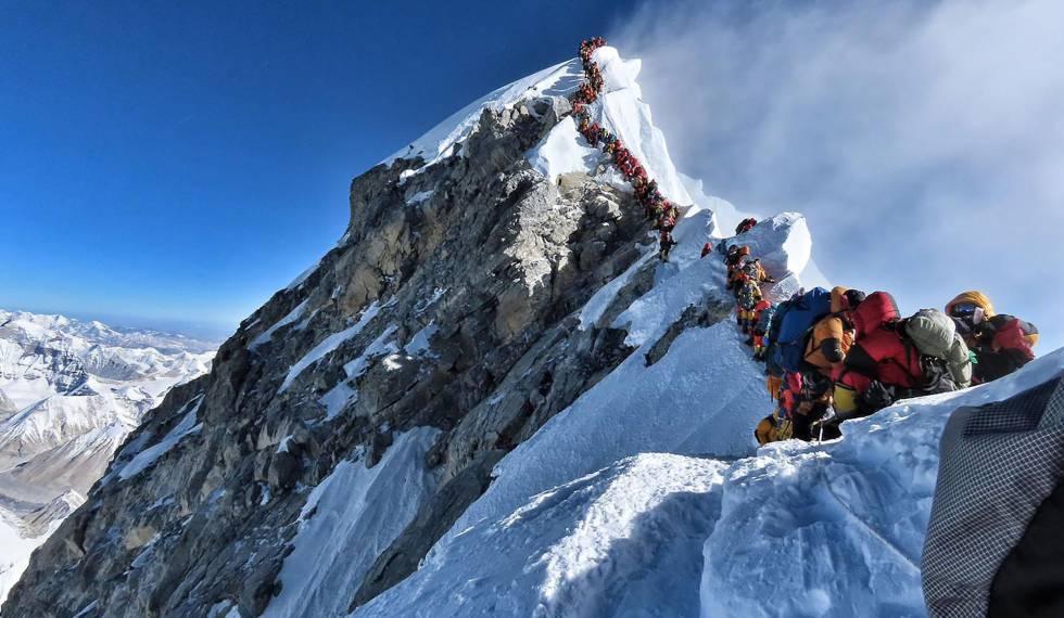 Ocho muertos en el Everest en pleno atasco para hacer cumbre | Deportes |  EL PAÍS