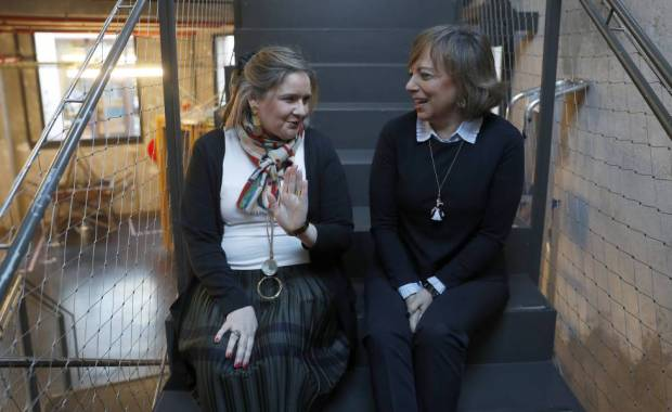 Las profesoras Lourdes Bazarra y Olga Casanova.