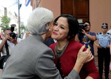 Christine Lagarde con Lea Giménez, ministra de Hacienda de Paraguay