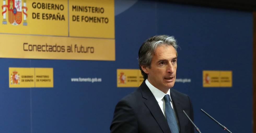 El ministro de Fomento, Íñigo de la Serna, en la presentación de los presupuestos del grupo de Fomento para el año 2018.