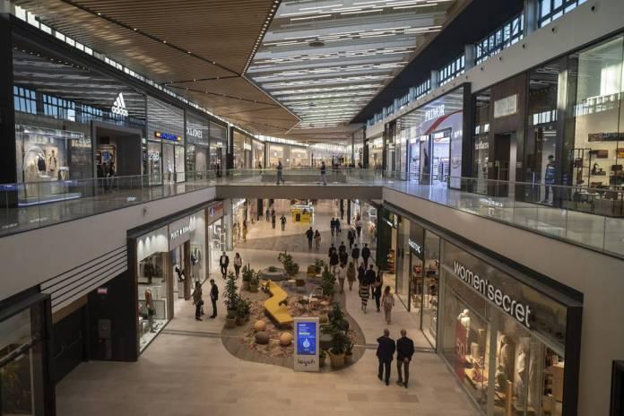Sevilla vive el 'boom' del centro comercial | Economía | EL PAÍS
