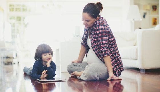 Si quiere un hijo listo, quítele el iPad y dele una guitarra