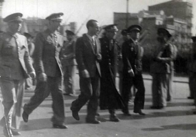 Rafael Méndez, vestido de civil, durante la Guerra Civil.