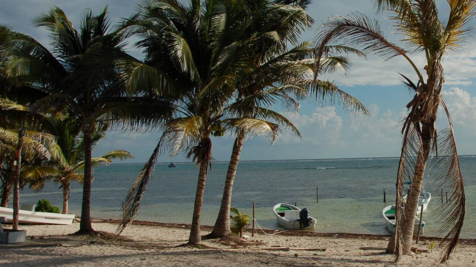 Una playa de Xcalak, en México.