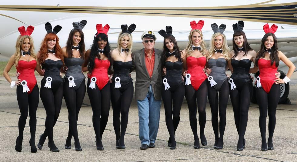 Hugh Hefner, con sus famosas 'conejitas'.