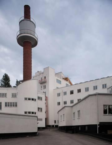 Entrada del sanatorio, cuya último uso era centro de rehabilitación para niños.