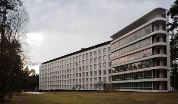 Aalto creó una gran terraza como parte de las terapias de los 296 enfermos que allí se alojaron.