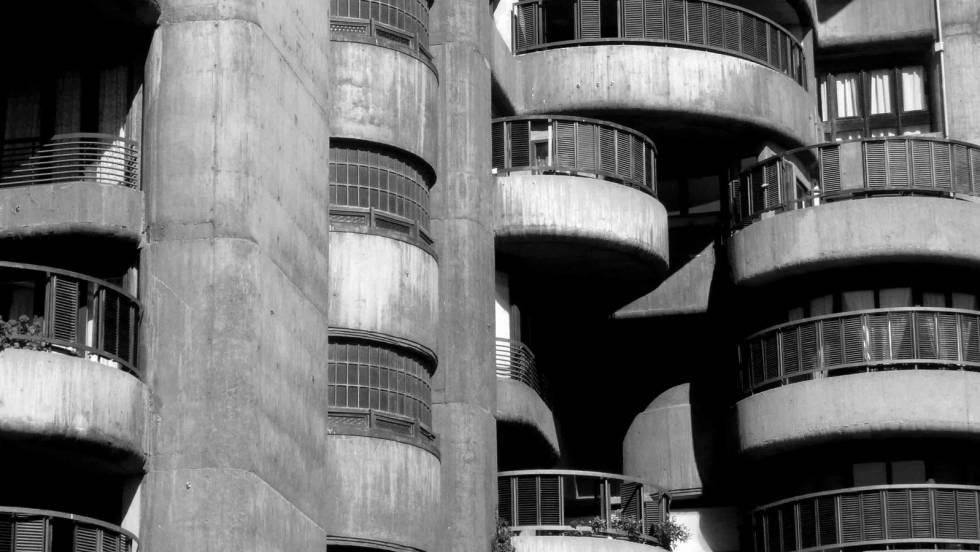 Imagen de una de las fachadas de Torres Blancas, donde los pisos tienen entre 90 y 400 metros cuadrados.
