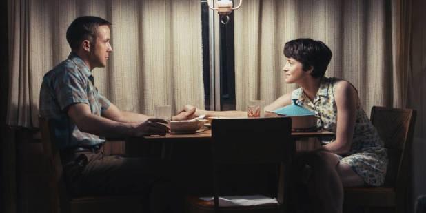 Foy com seu companheiro de elenco em 'O Primeiro Homem' Ryan Gosling.